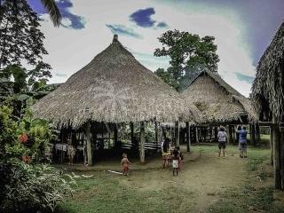 embera-indian-village