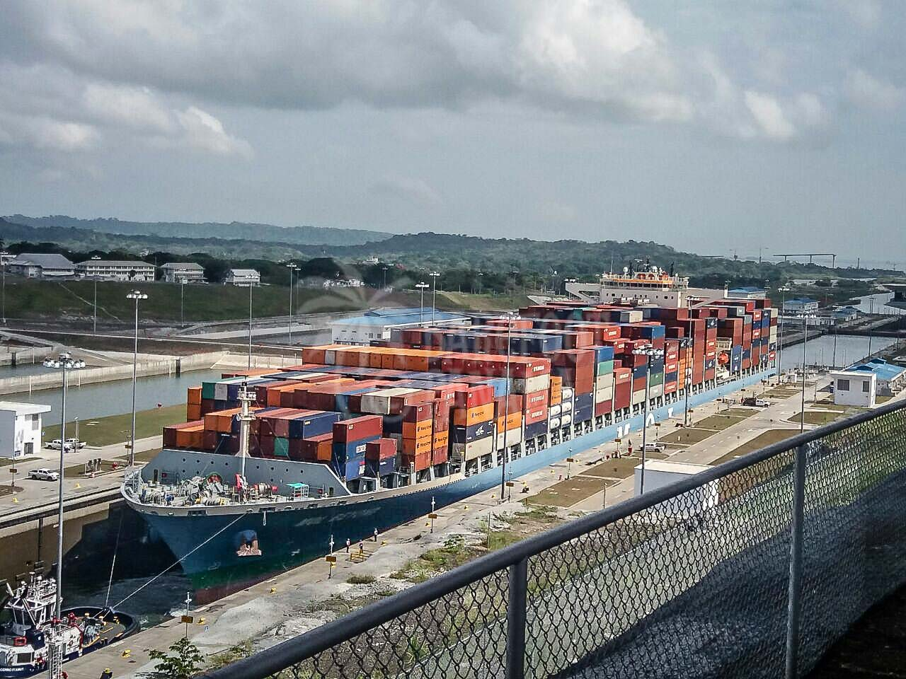 large-container-ship-navigating-the-locks