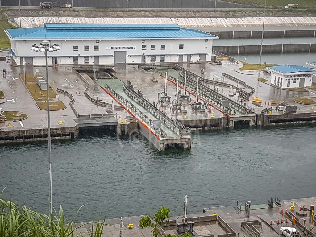 new-locks-on-panama-canal