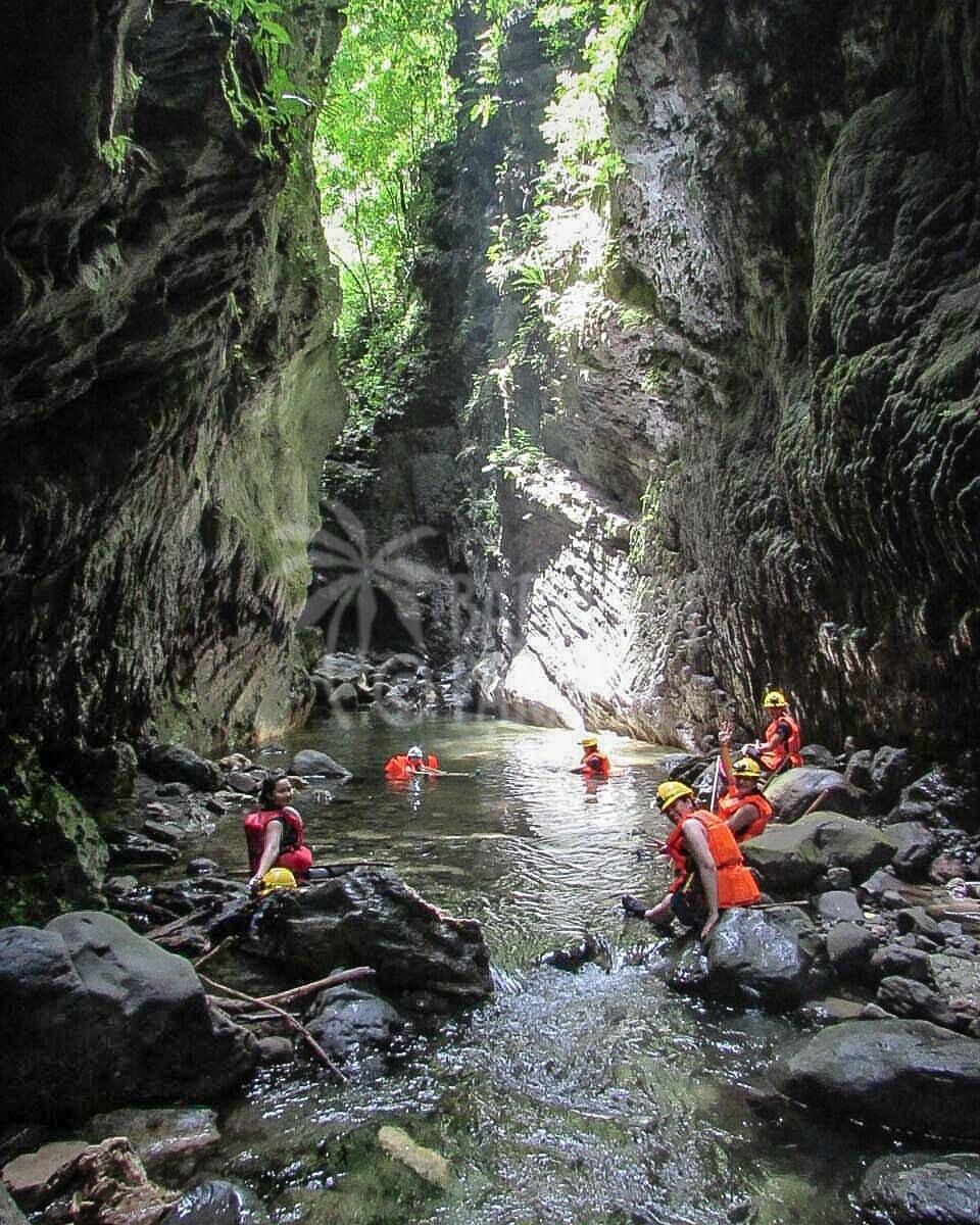 panama-adventure-tours-bayano-caves