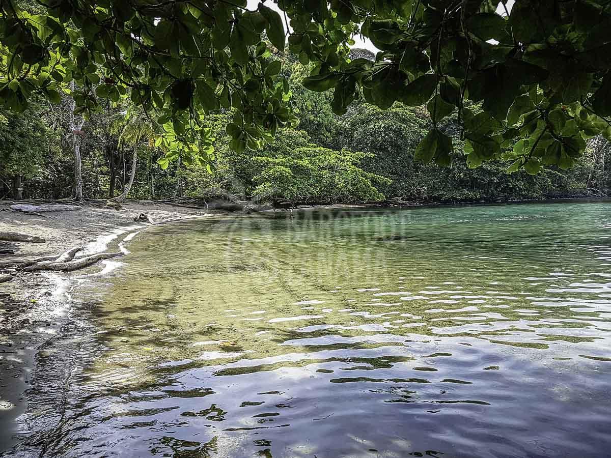 panama-baribbean-beach