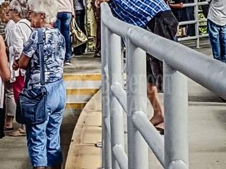 panama-canal-visitors