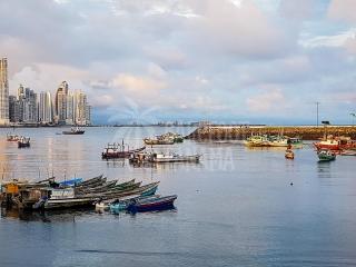 panama-city-sunset-with-fishing-boats