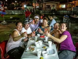 people-enjoying-food-tour