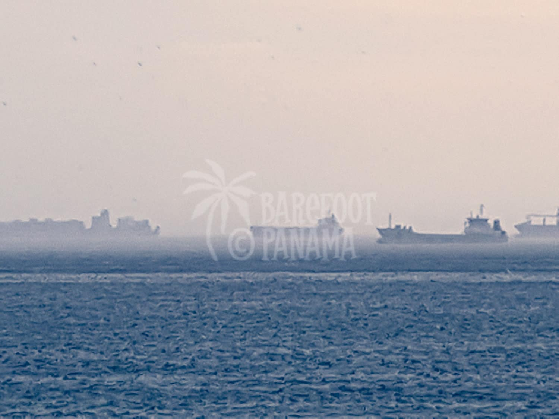 rain-on-panama-canal-ships