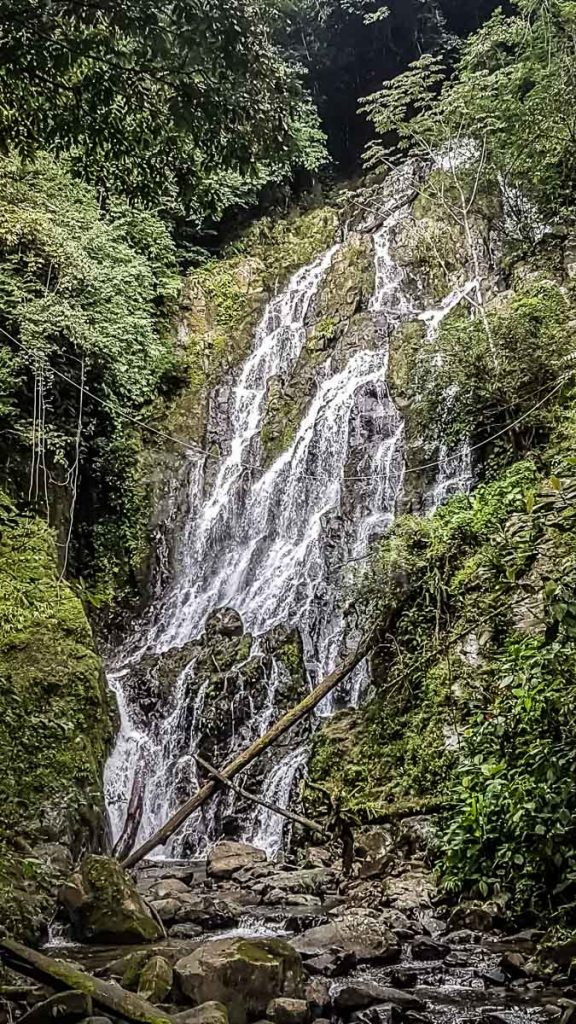 waterfall-near-el-valle