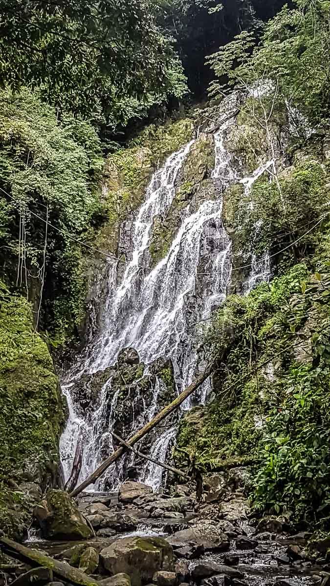 waterfall-near-el-valle