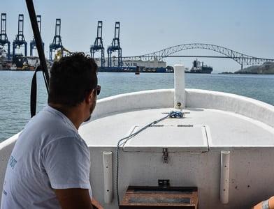 small boat tours panama